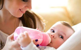 Кормление ребёнка из бутылочки